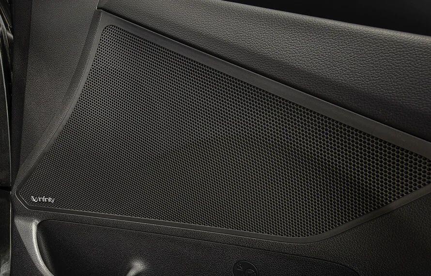 7-Speaker premium audio.