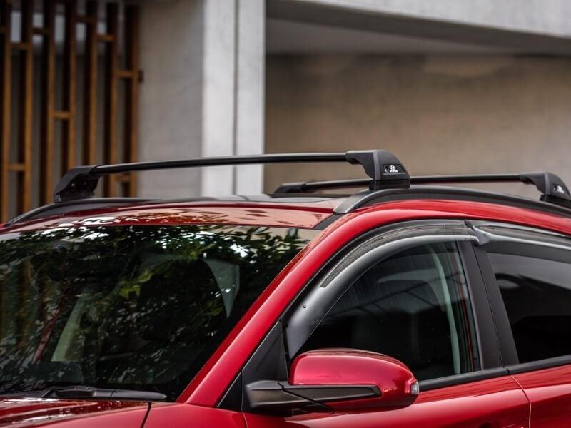 Hyundai genuine roof racks – flush.