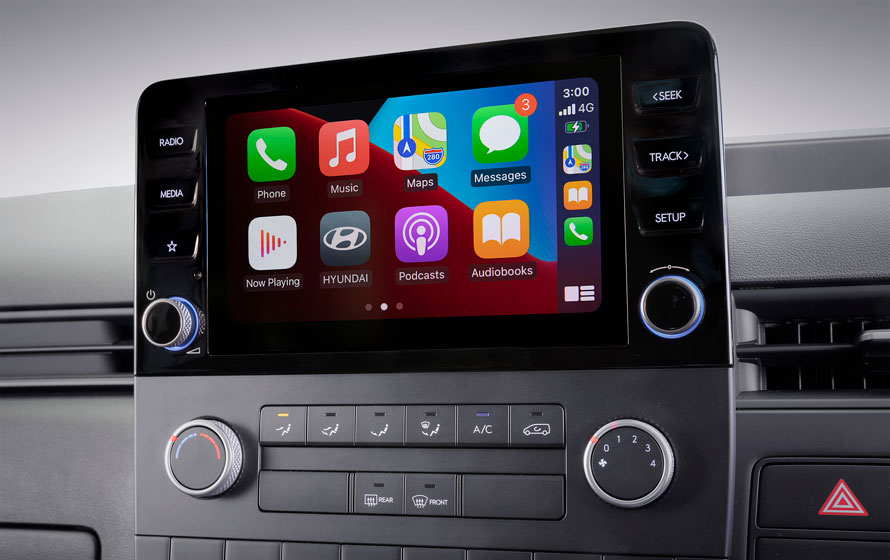 """8"""" multimedia system with Apple CarPlay<sup>TM[P2]</sup> & Android<sup>TM[P3]</sup>Auto compatibility."""